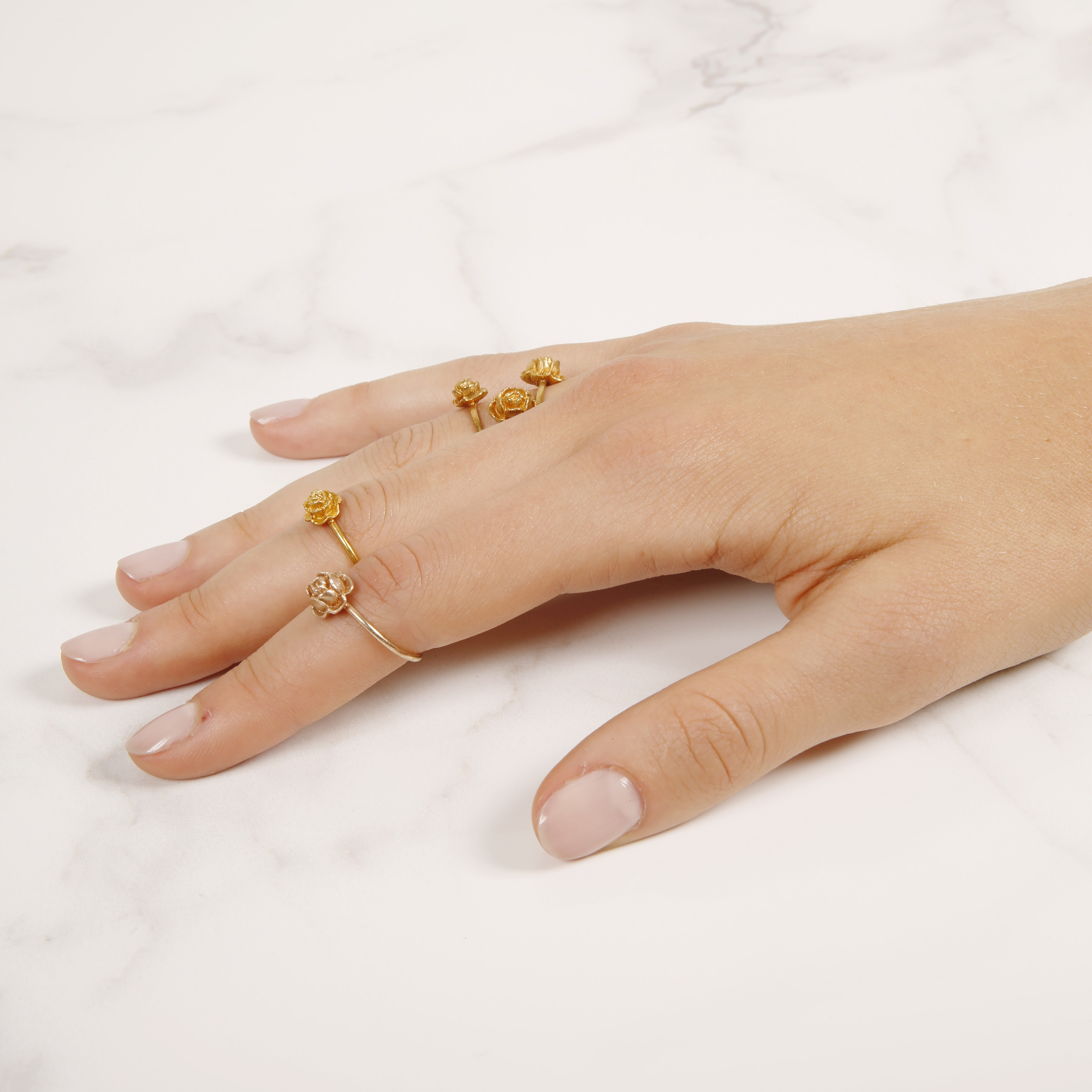 Single rose stackable ring