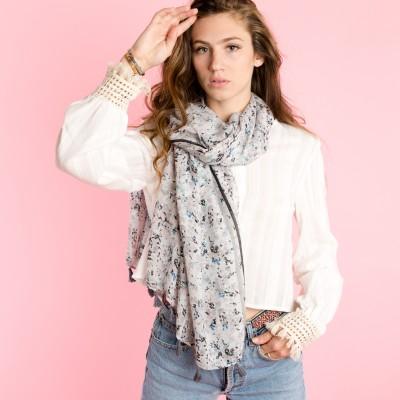 Flowery summer scarf
