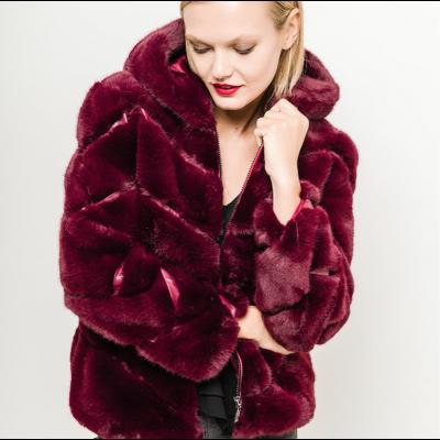 Hooded faux fur jacket bordeaux